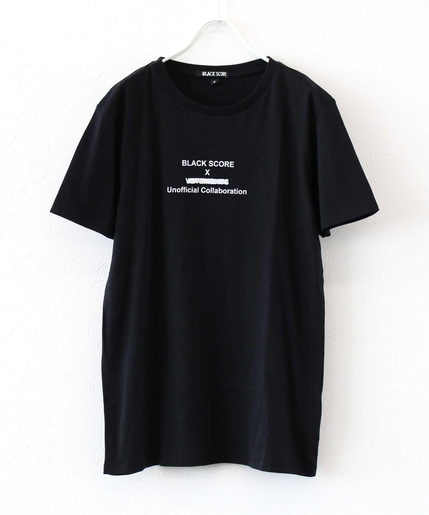 <BLACK SCORE>unofficial collaboration tee