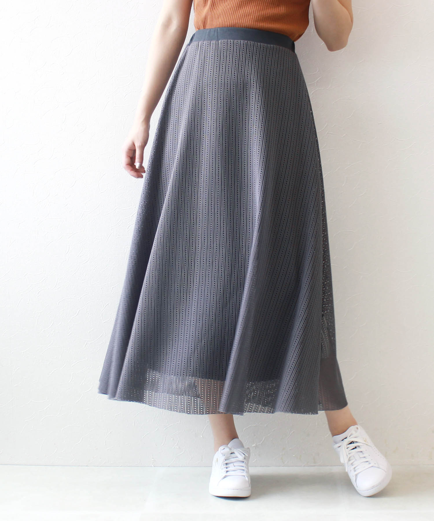 <Sguar Rose>reversible square mesh lace skirt