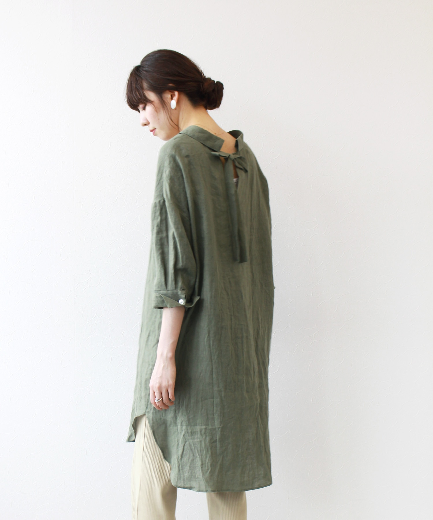<B7>back ribbon linen long shirt