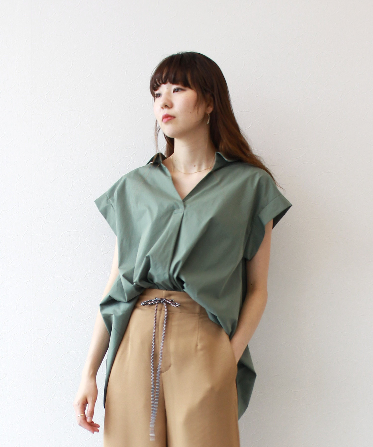 <B7>typewriter back ribbon blouse