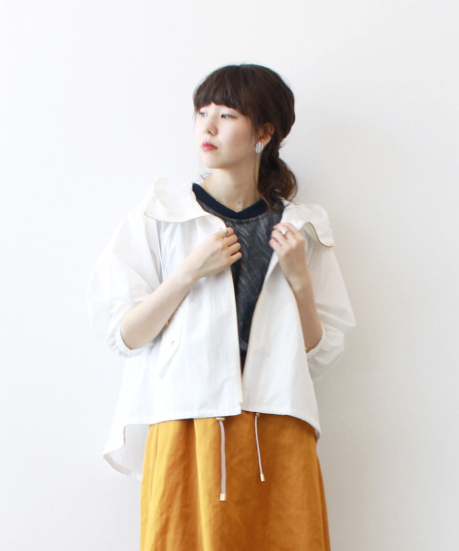 <B7>hooded cotton short blouson