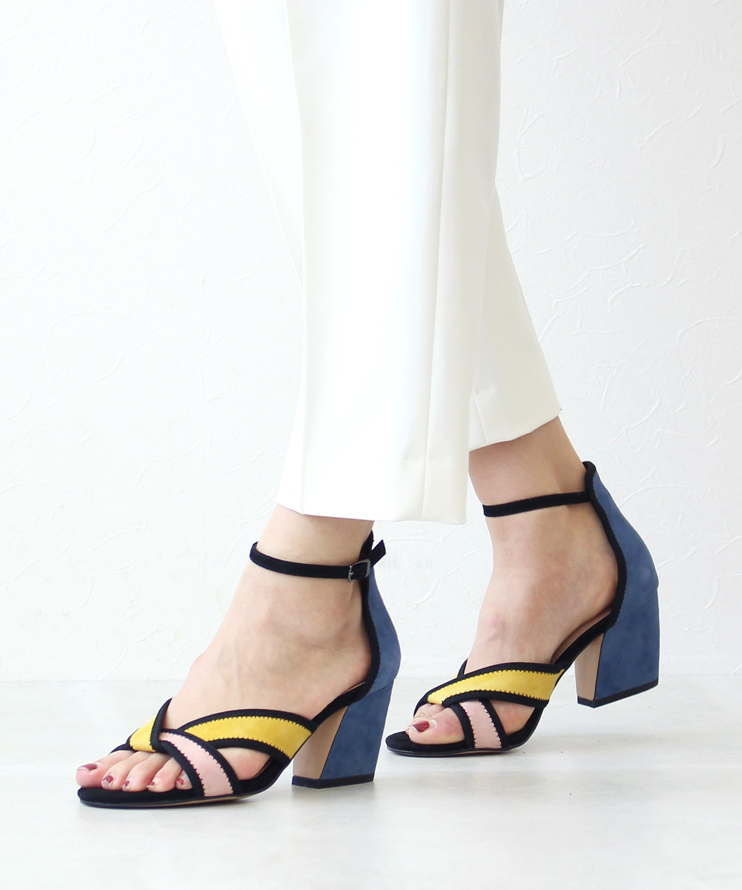 <BIBI LOU>MultiColor heel sandals