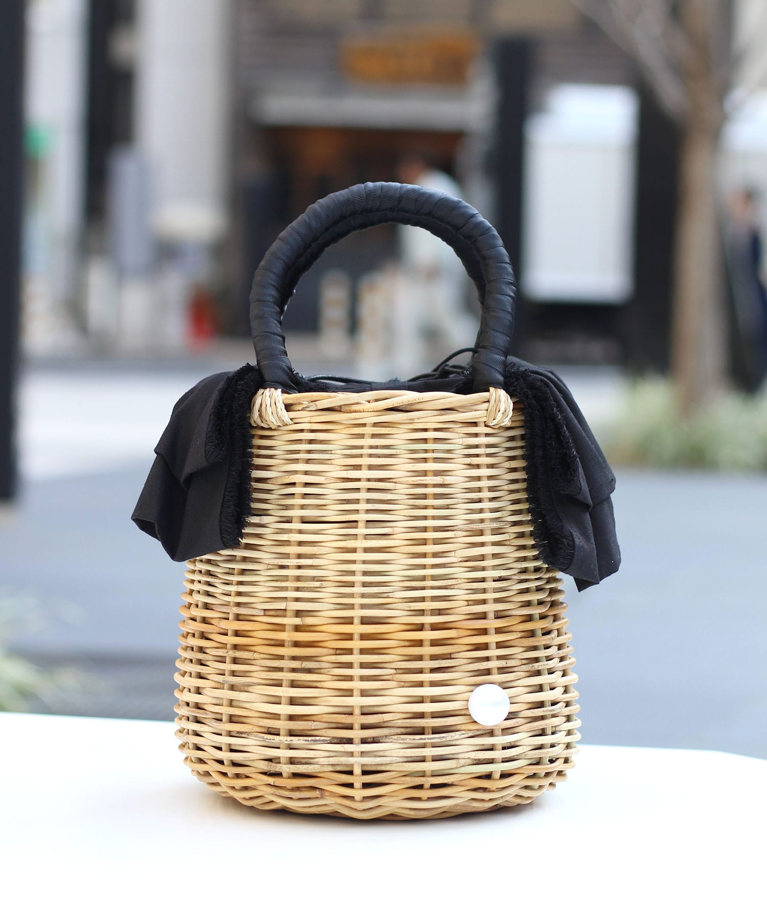 <a jolie>linen ribbon basket bag