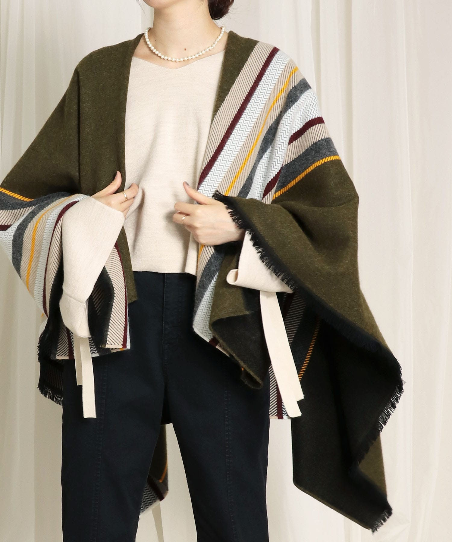 <PIERRE QUIOC>color block poncho