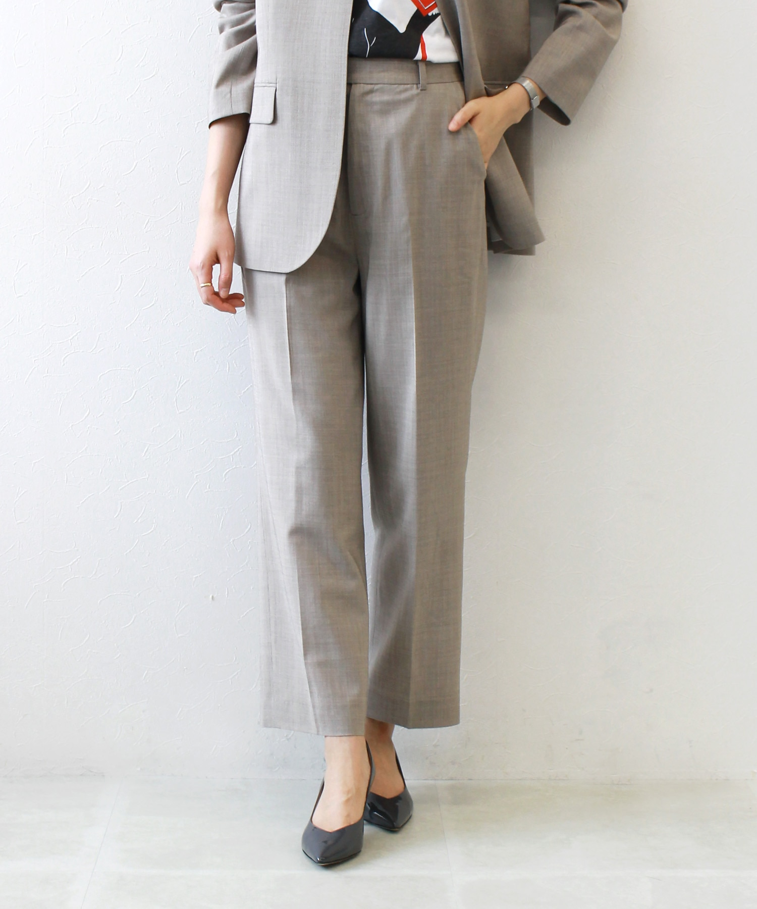 <B7>clear light viscose pants