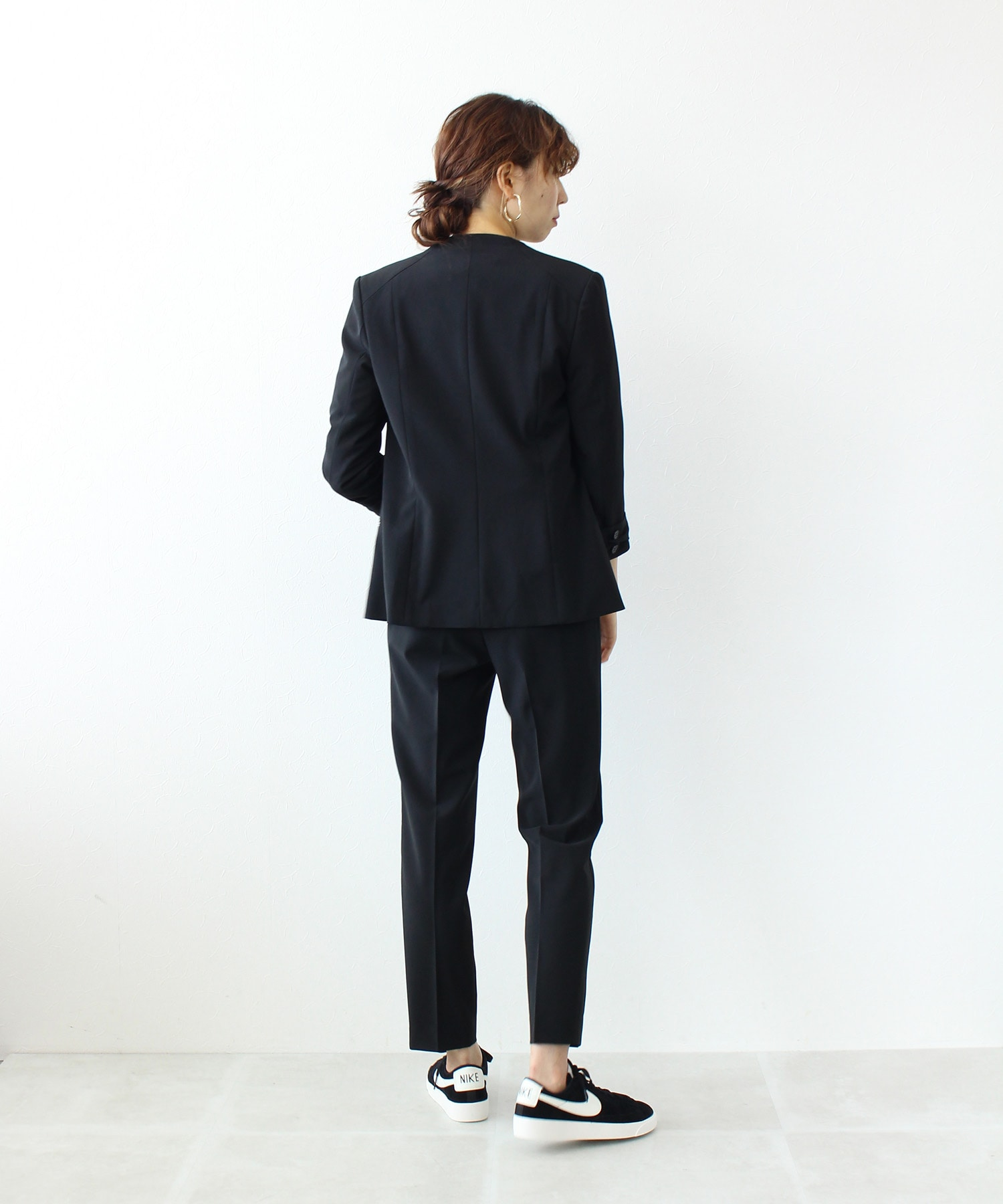 <B7>stefany tapared pants