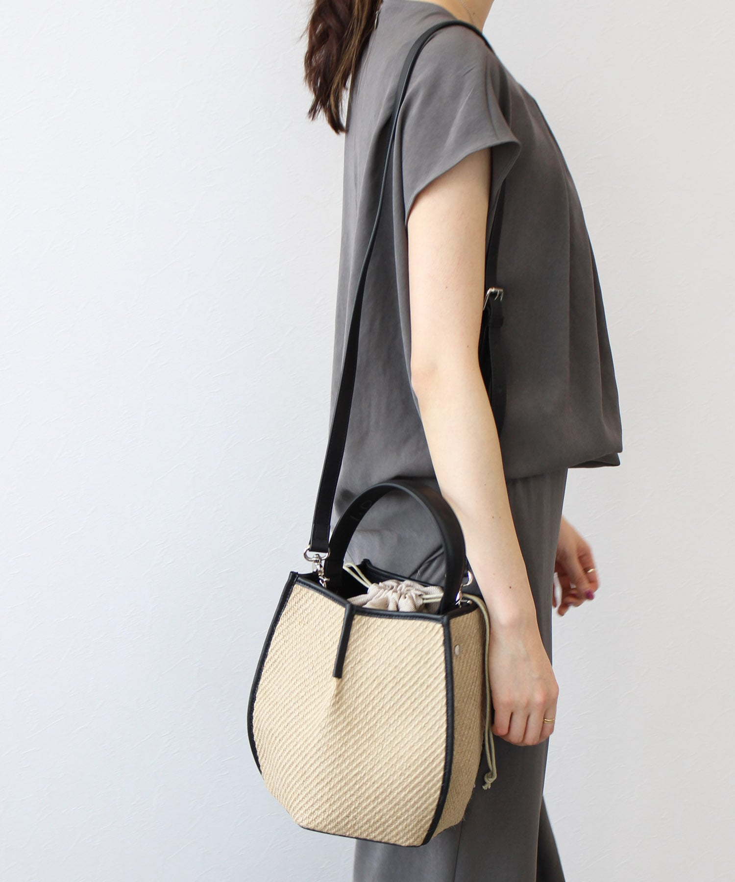 <the dilettante>2way pentagon plant fiber bag