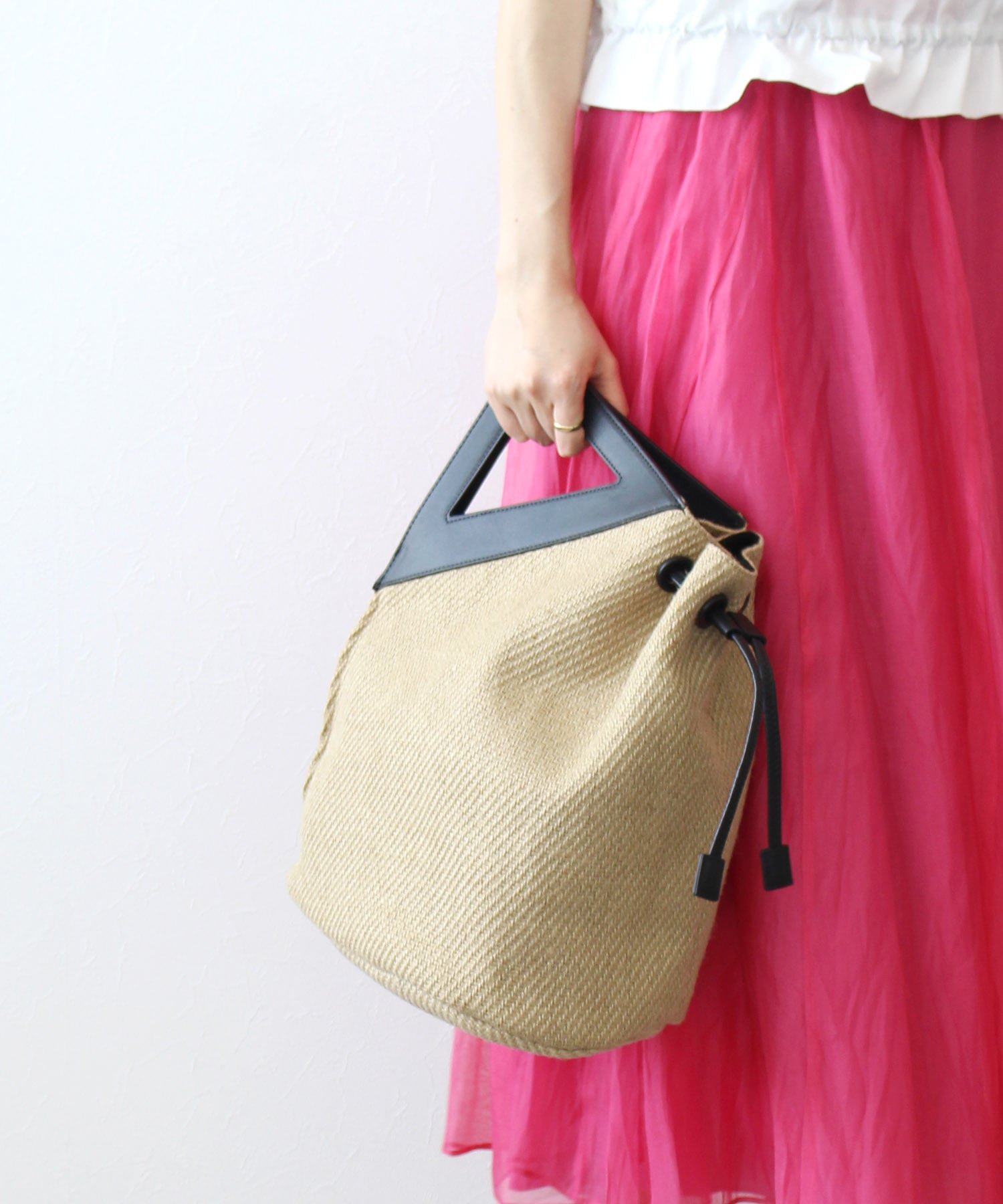 <the dilettante>large deformation bag