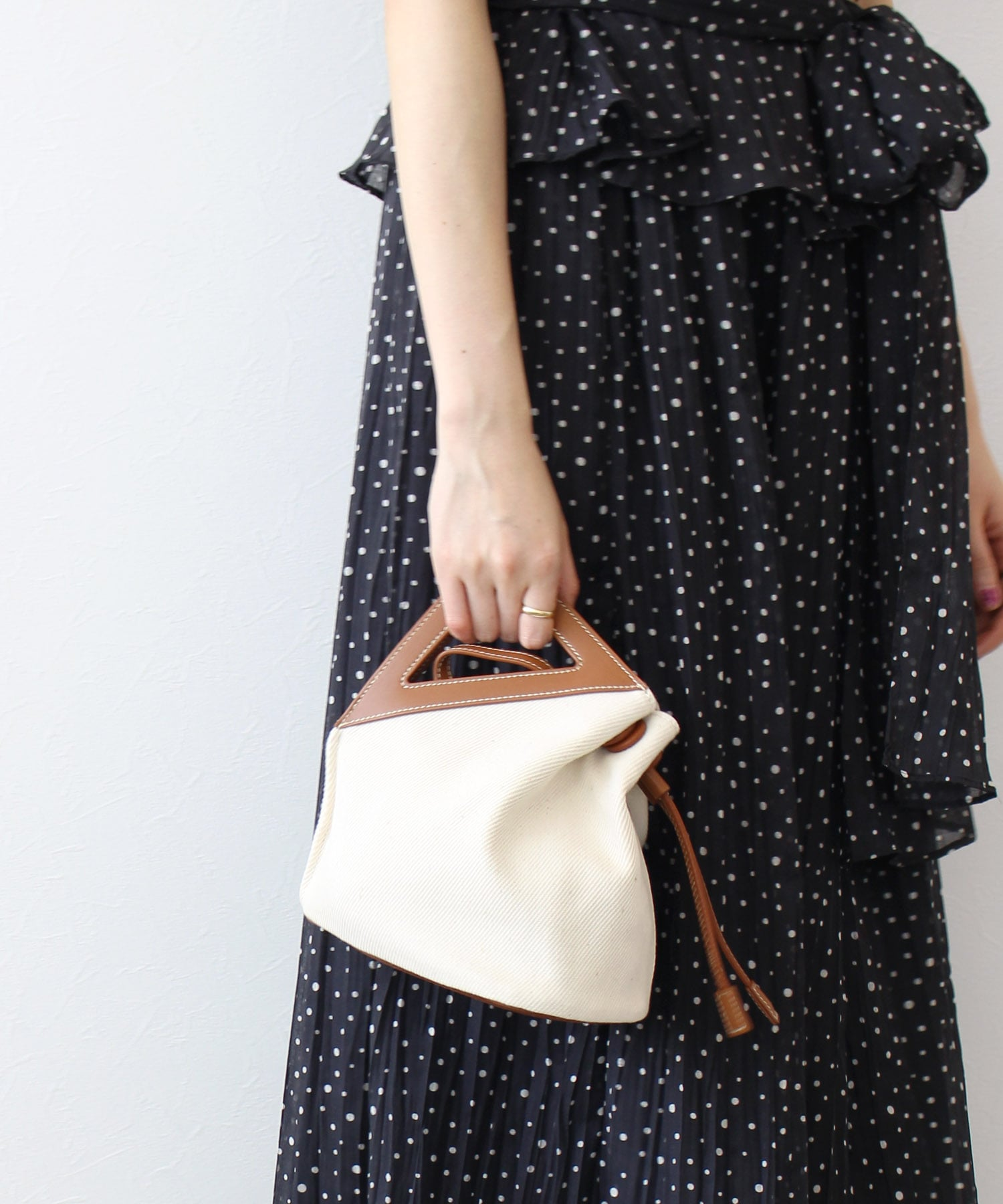 <the dilettante>deformation fabric bag