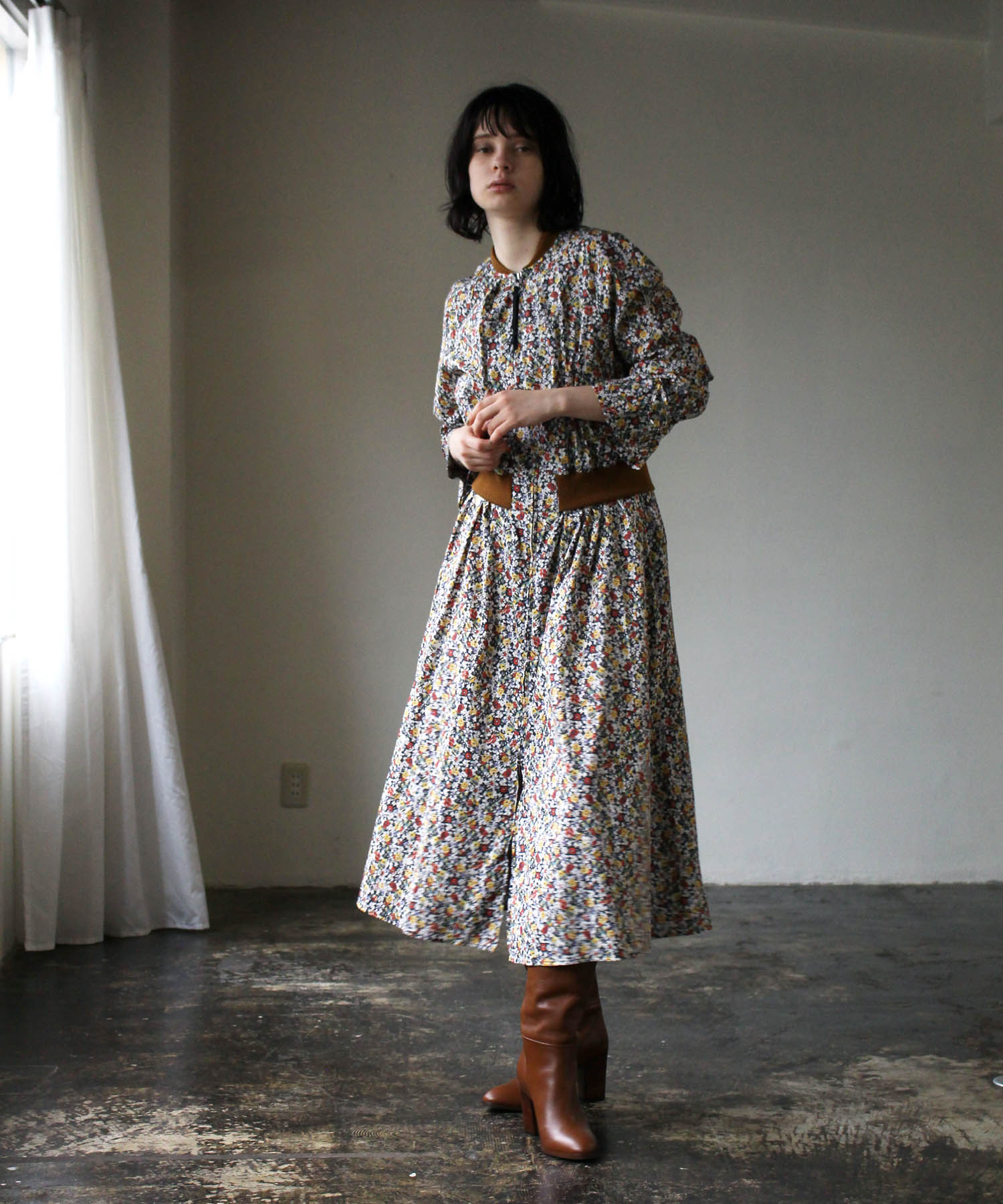 <Hart >flower front open dress