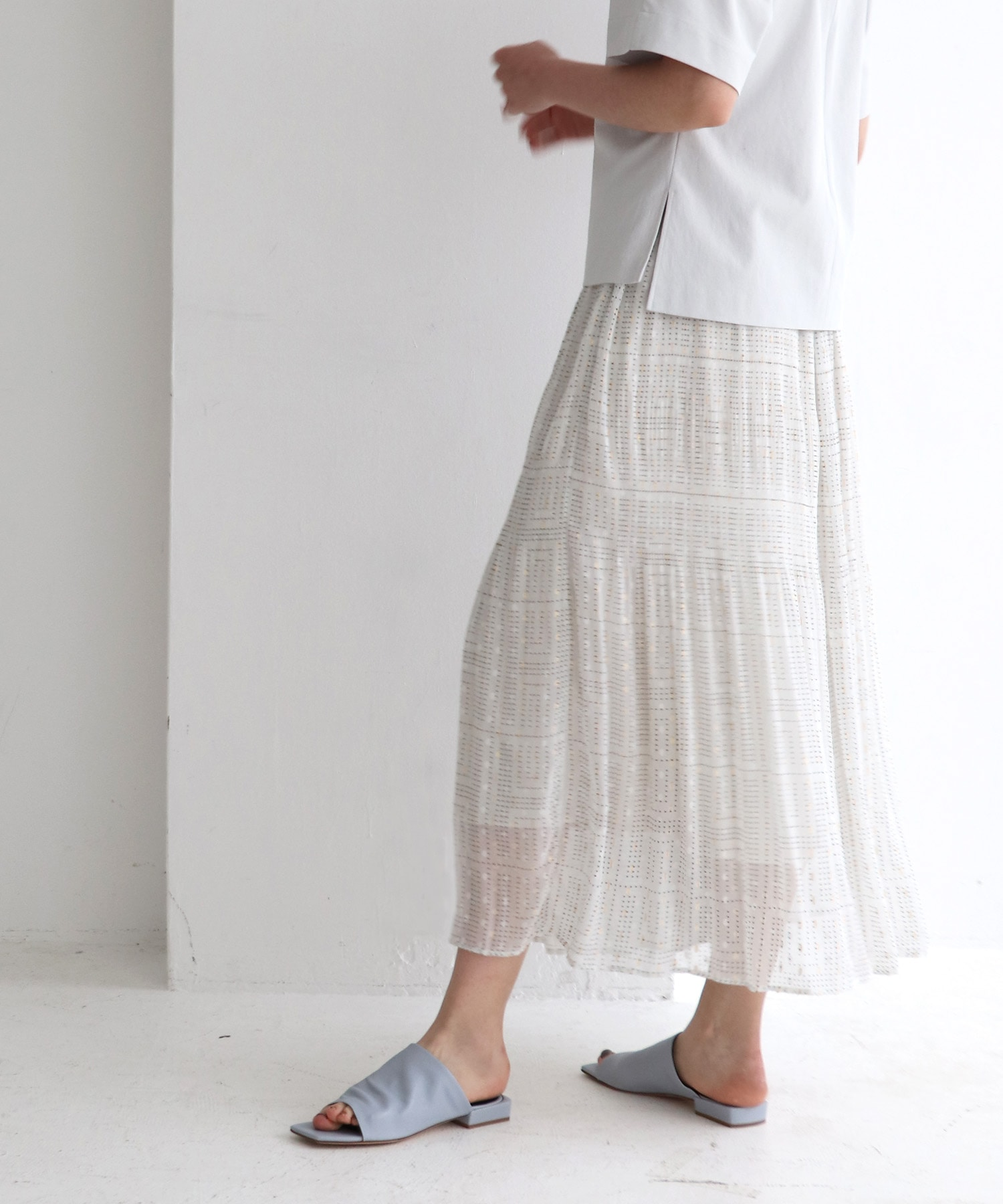 <Sugar Rose>sheer shine jacquard skirt