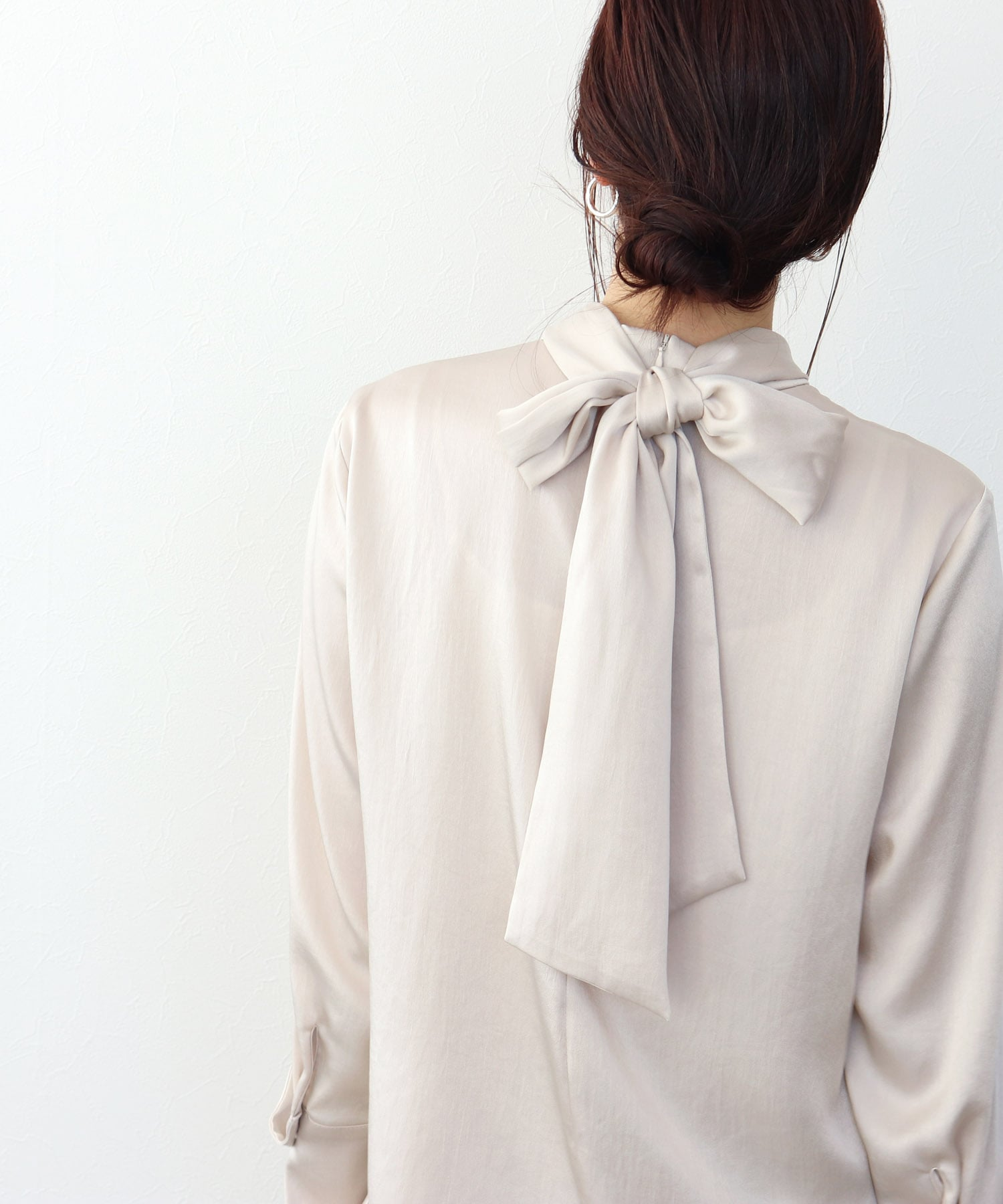 <B7>vintage satin bow tie blouse