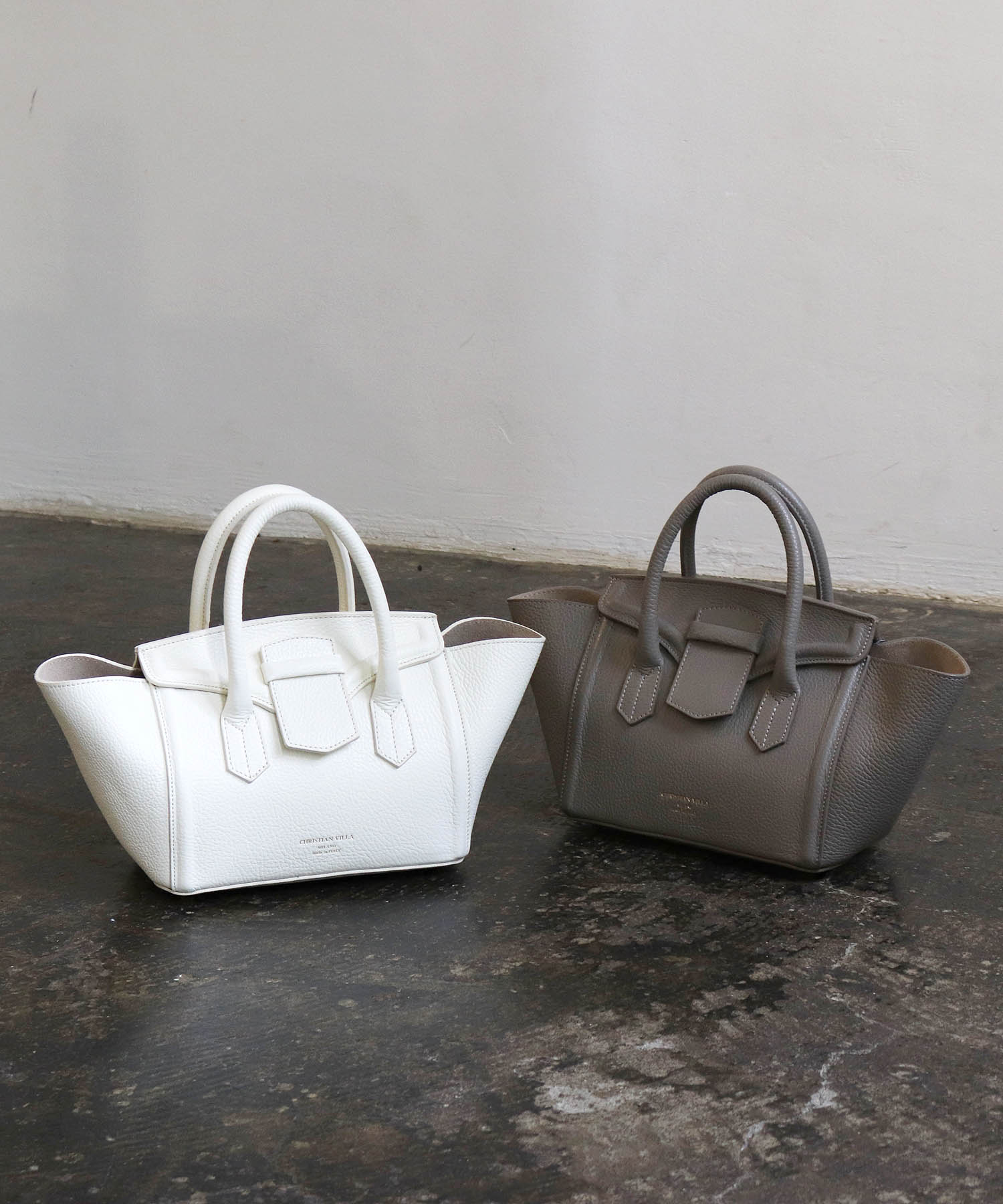 <CHRISTIAN VILLA>leathe top handle bag