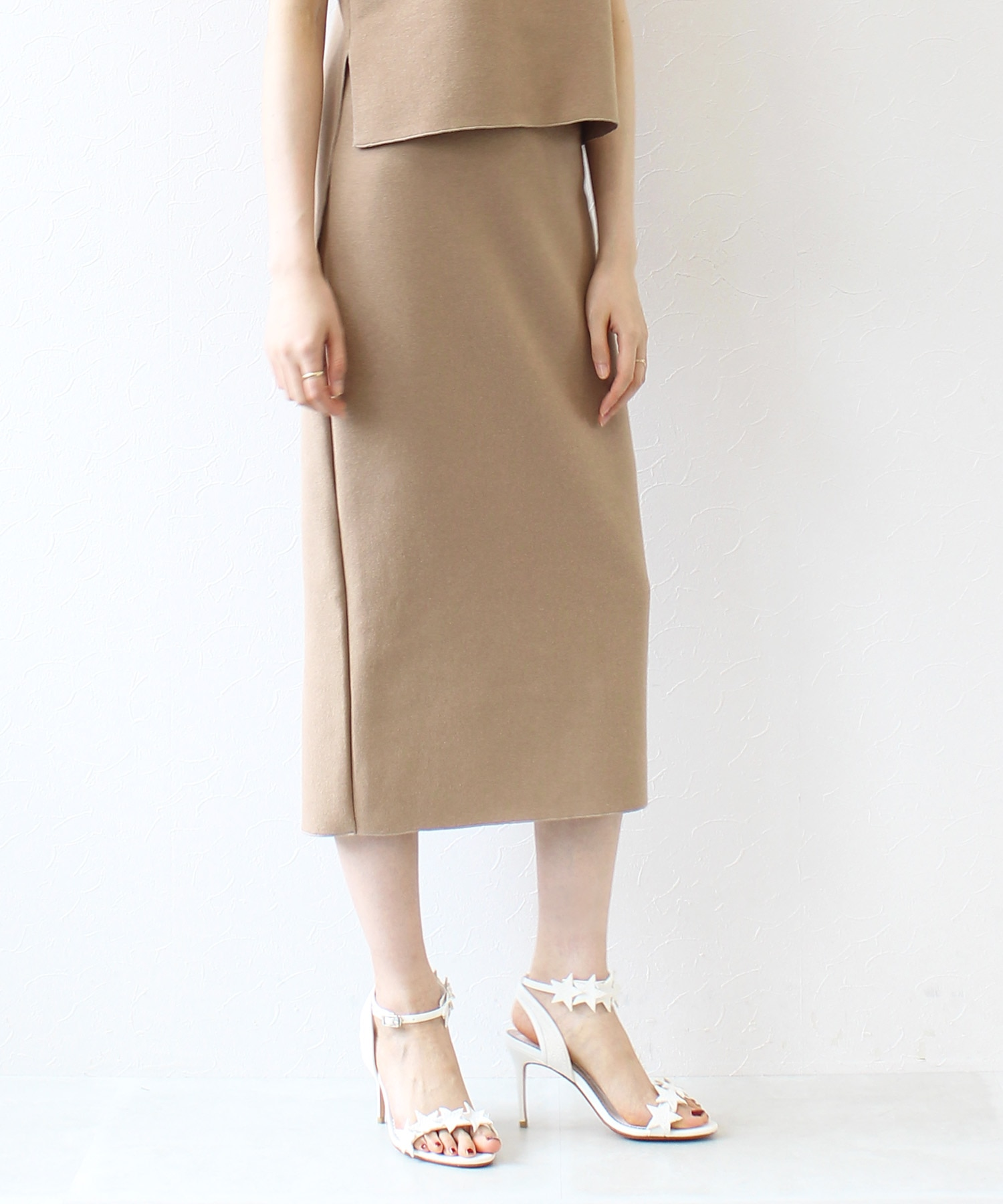 earo cupsule tight skirt