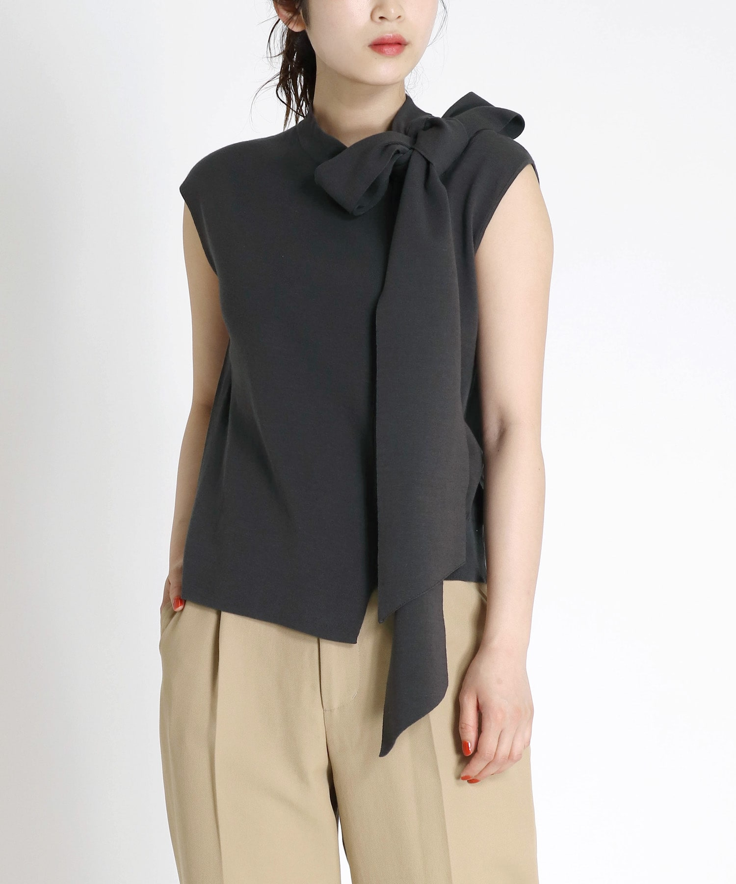 asymmetric design high neck tie