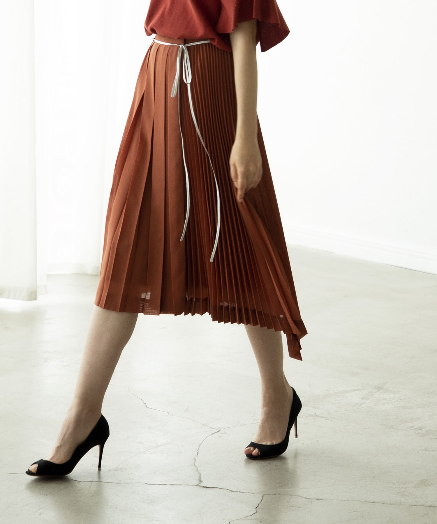 design asymmetric pleats skirt