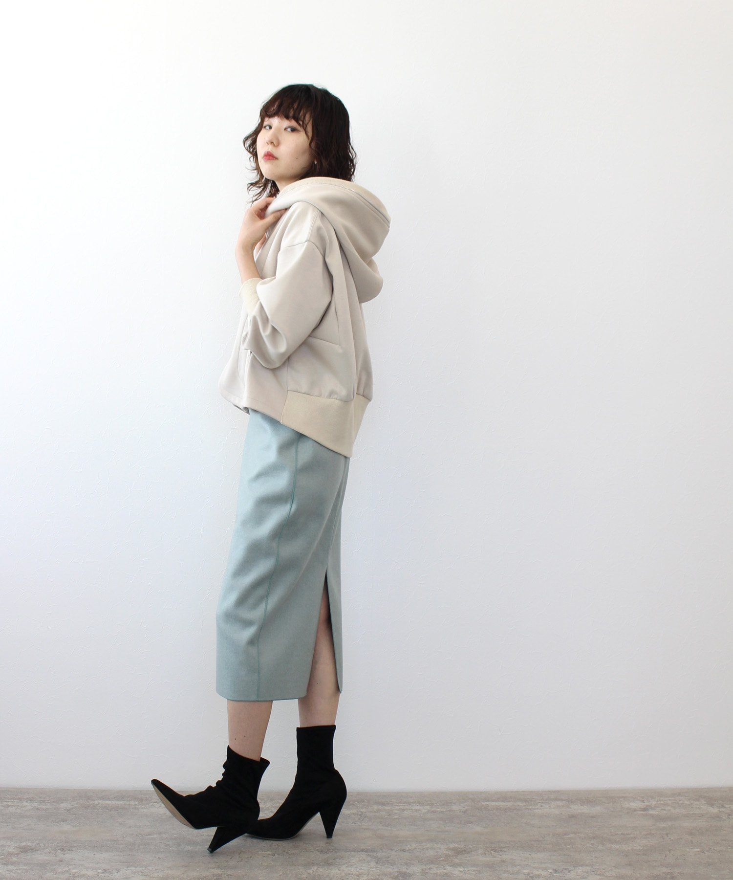 light wool jersey tight skirt