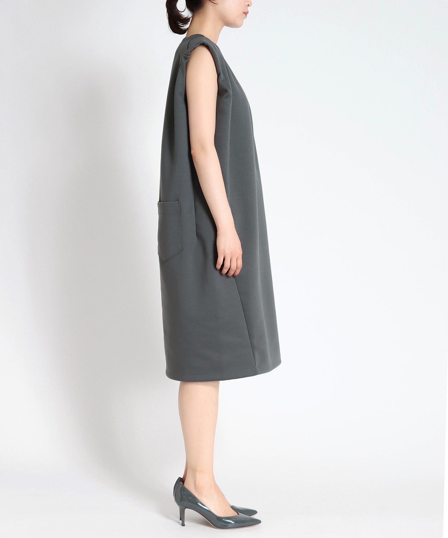 cardbord roll sleeve dress